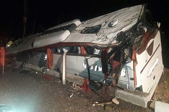علت حادثه سقوط اتوبوس زائران یزدی اعلام شد